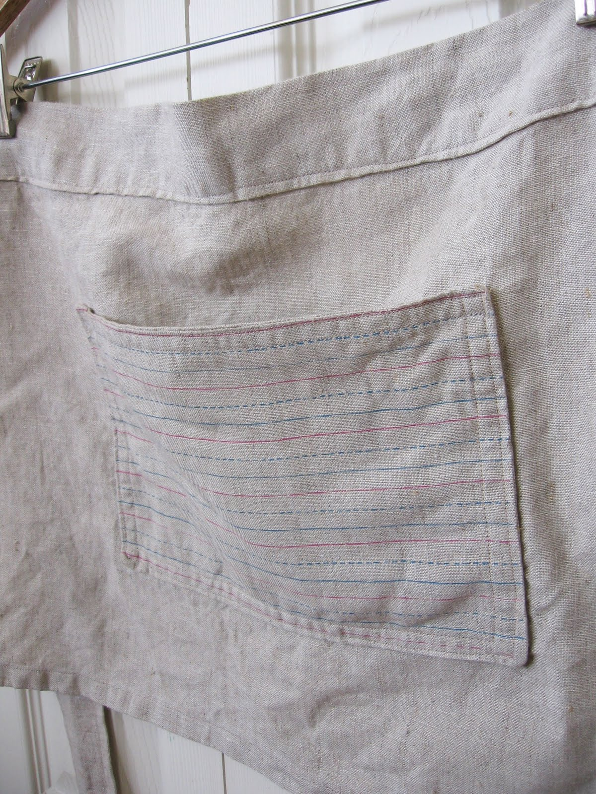 White linen apron - The Day Before The Sf Renegade Show I Decided To Make A Half Apron Using My Palmer Method Linen You Know Because I Had So Much Free Time